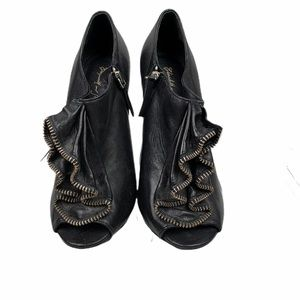 Elizabeth and James Booties Black Leather Size 6 M
